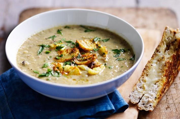 Australian Mushrooms | Roasted mushroom & cauliflower soup
